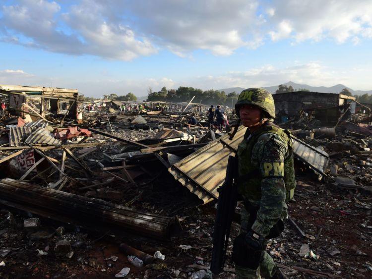 آتش سوزی مهیب و مرگبار در بازار مکزیک