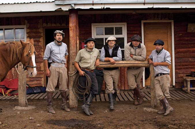 1__hamgardi_NationalGeography-chilean-cowboys-patagonia