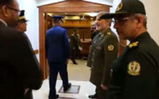 رعایت کردن دستورالعمل های بهداشتی توسط وزیر دفاع در دیدار با مهمان های خارجی