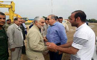 استقبال دیدنی اهالی یک روستا از سردار سلیمانی