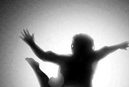 راز سقوط مشکوک دختر دانشجو از طبقه هفتم در شهرک اکباتان ! + عکس