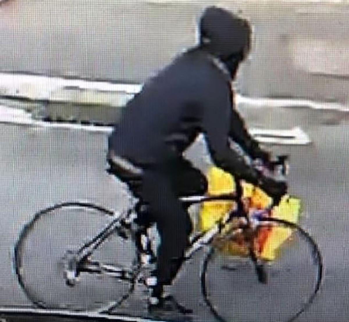 بیمار جنسی 9 زن در خیابان را آزار داد+عکس مرد دوچرخه سوار ناشناس
