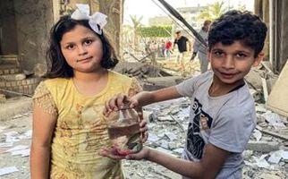 مقایسه این کودکان معصوم با کفتارهای صهیونیست + فیلم