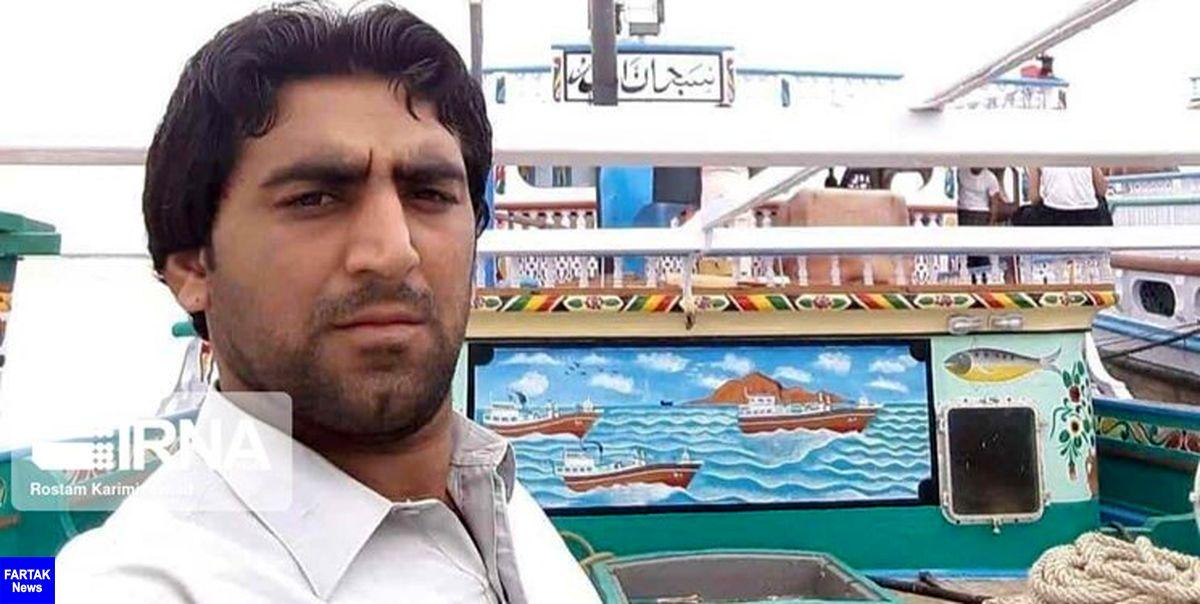 پیکر بیجان سومین صیاد لنج حادثه دیده طوفان در ساحل دشتیاری پیدا شد