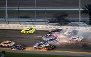 برخورد 19 ماشین رالی در مسابقات اتومبیلرانی