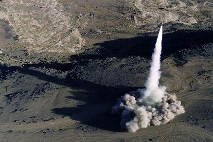 یگان توپخانهای یمنی ها مواضع نظامیان سعودی را در جیزان هدف قرار داد