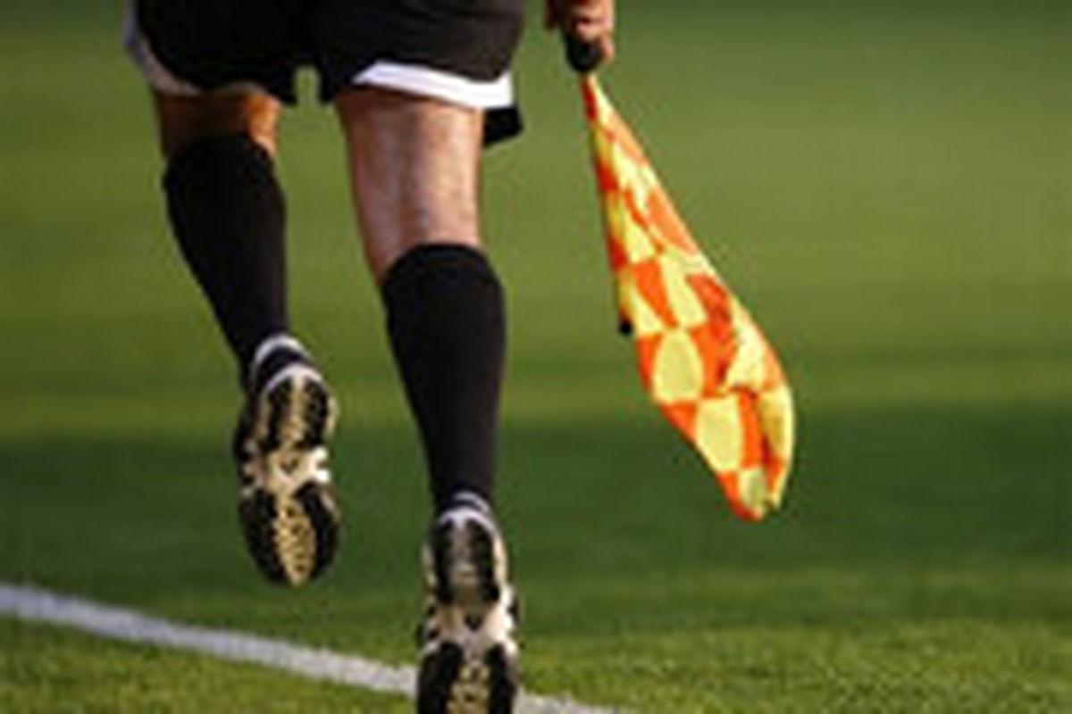 کارت قرمز، سزای سرفه عمدی در فوتبال!