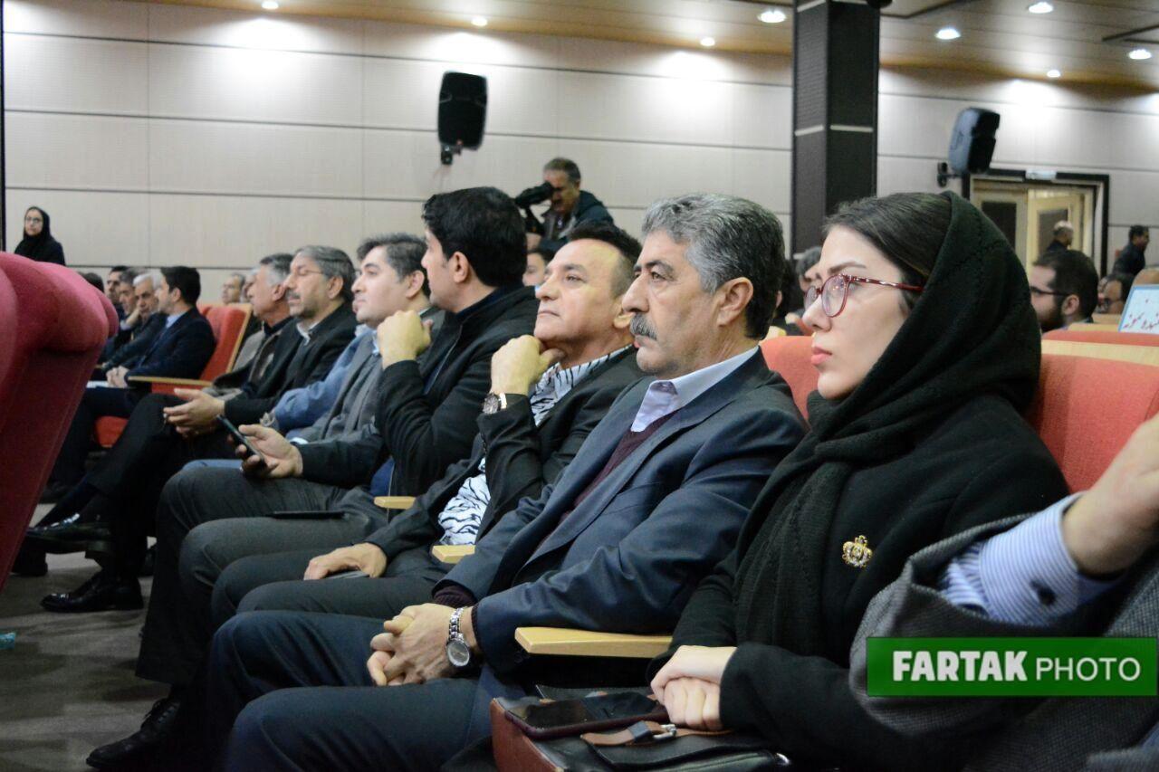 تجلیل از صادر کنندگان برتر در اتاق بازرگانی،صنایع و معادن استان کرمانشاه به روایت تصویر