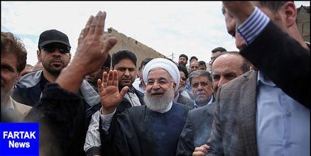 رئیس جمهور از مناطق سیل زده اهواز بازدید کرد