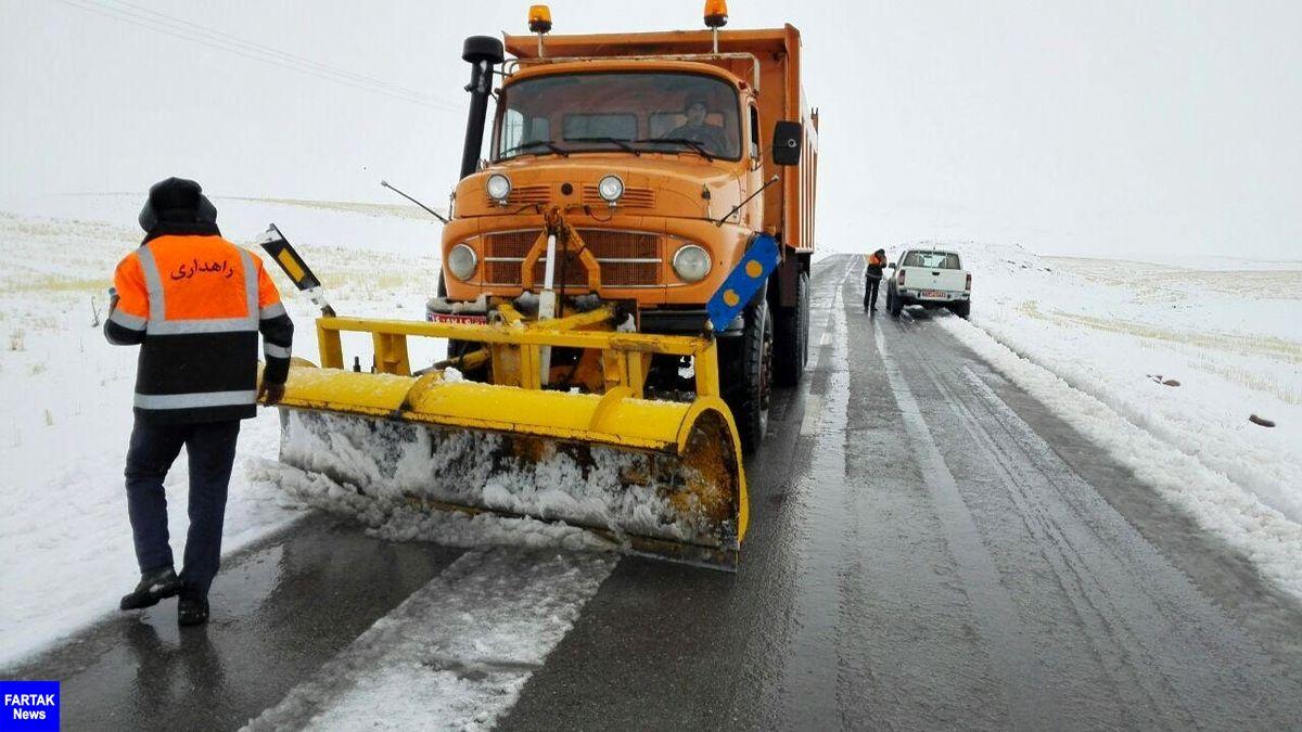 بازگشایی راه 1490 روستای آذربایجان غربی که براثر برف مسدود شده بود