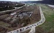 فیلم/ صف طویل خودروها در پیتسبورگ آمریکا برای دریافت غذا از بانک غذایی