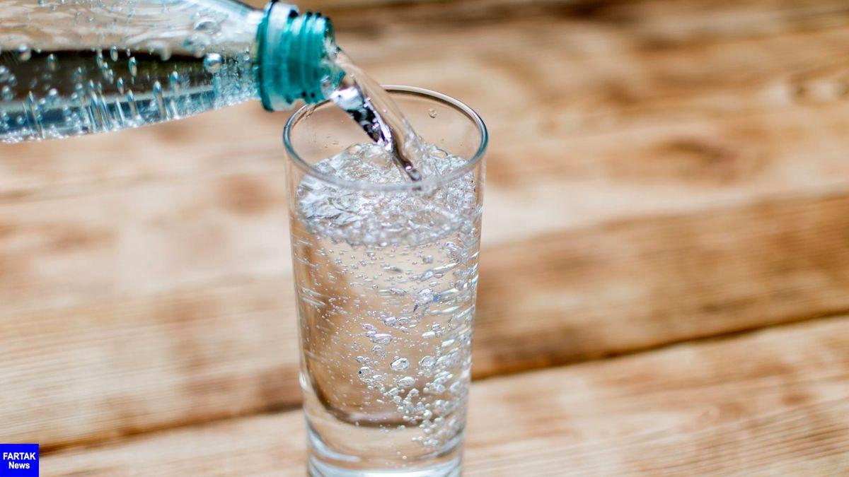 نوشیدن آب گازدار برای بدن مضر است یا مفید؟