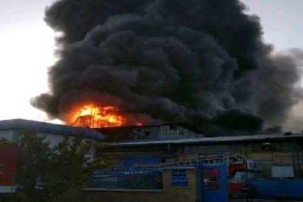 آتش سوزی یک واحد صنعتی در قزوین