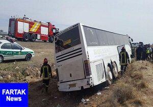 برخورد اتوبوس با کامیون در آزادراه تهران ساوه ۱۲ مصدوم بر جای گذاشت