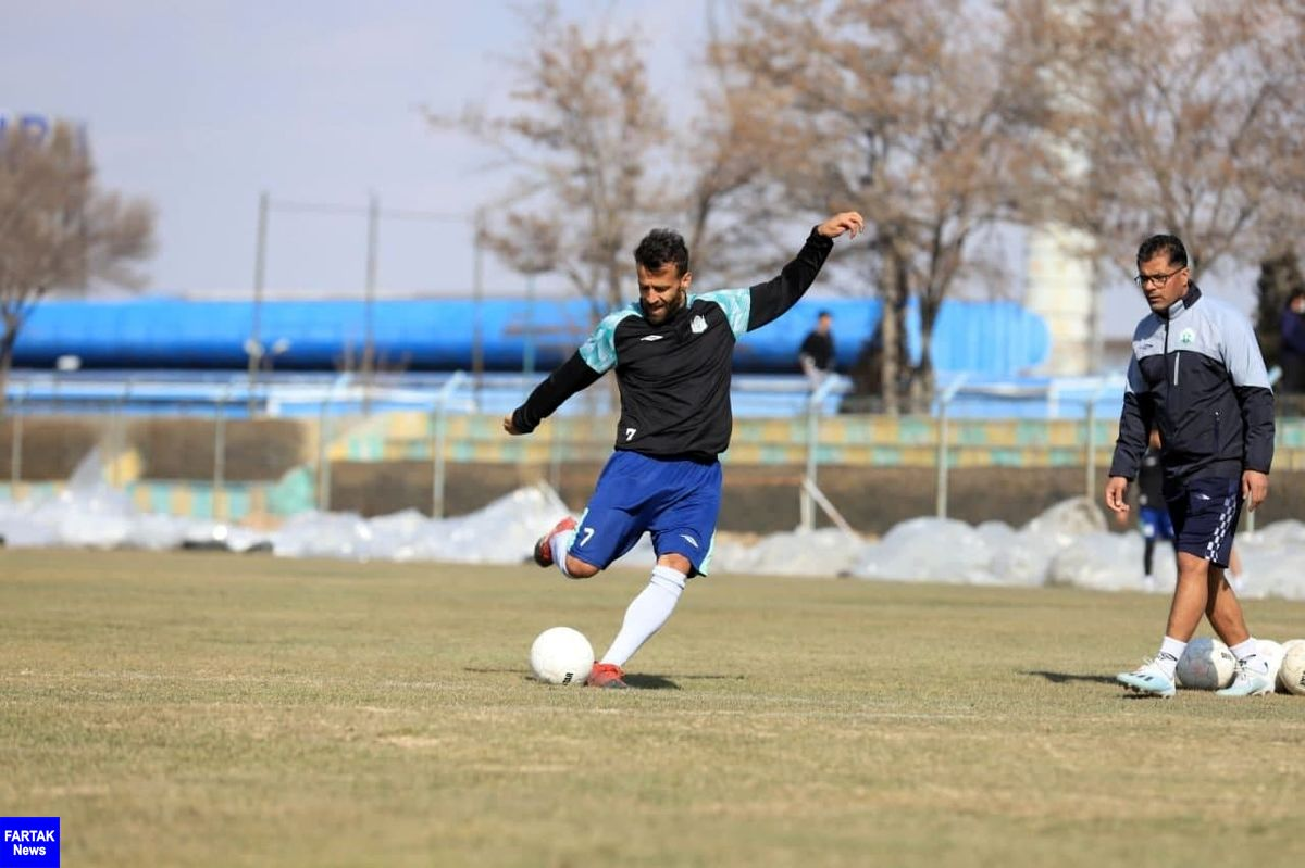 احمدی: انتظار از تیم ما منطقی باشد