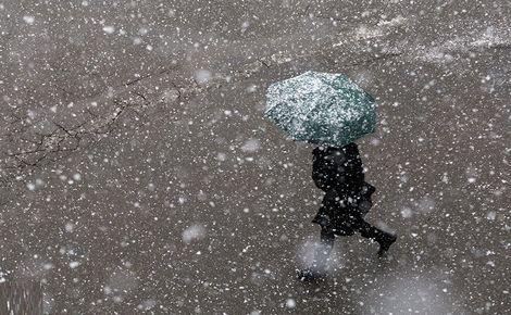 آغاز بارش برف و باران و کاهش ۱۵ درجه ای دما