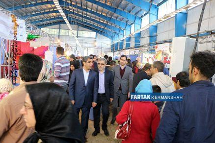 بازدید دکتر حاتمی از نمایشگاه فروش بهاره
