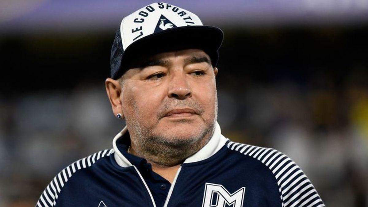 اتفاقی که یک ساعت قبل از مرگ مارادونا افتاد