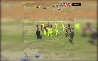 کتک زدن داور در لیگ دسته دو کرمانشاه + فیلم