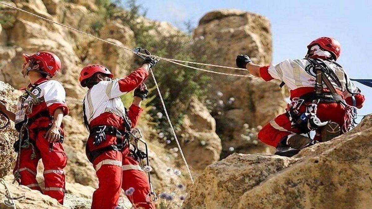 نجات فرد مصدوم شده در دره ویژدرون ملکشاهی