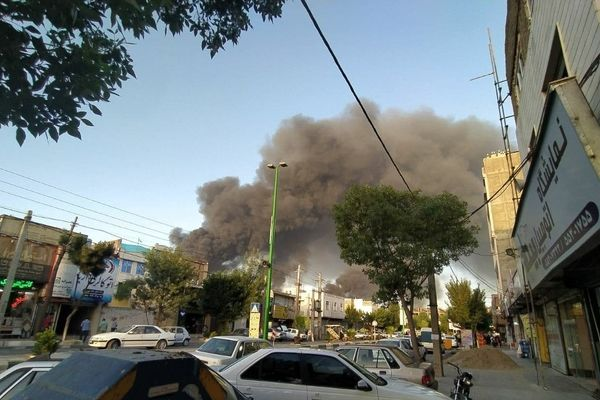 آتش سوزی در نزدیکی پلایشگاله تهران/فیلم