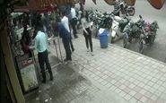 ویدئویی از لحظه انحراف ناگهانی خودرو به داخل پیادهرو
