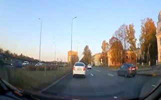 فیلم/چپ شدن ناگهانی خودرو حین لایی کشیدن