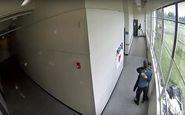 خلع سلاح دانشجوی مسلح با آغوش مربی