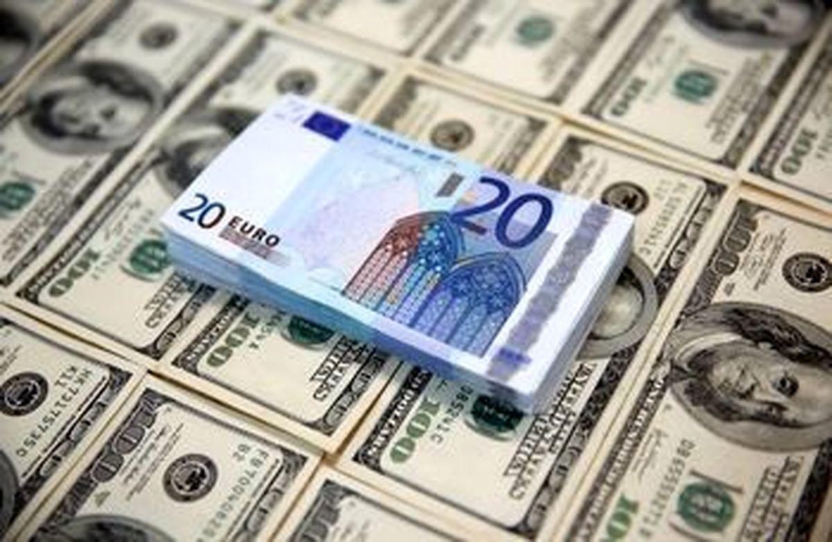 دلار بالا رفت، یورو پایین آمد