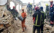 مصدومیت دو کارگر در پی سقوط از ساختمان در حال تخریب