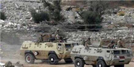کشته و زخمی شدن ۸ سرباز مصری بر اثر حملات تروریستی در سیناء