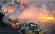 وقتی مسابقه اتوموبیل رانی به جهنم تبدیل میشود! +فیلم