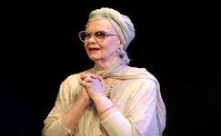 هنرپیشه زن مشهور، درگذشت