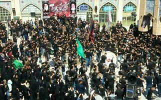 نماز ظهر عاشورا در بقاع متبرکه استان کرمانشاه اقامه شد+تصاویر