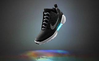 کفش هوشمندی که سایزش را با پای شما تنظیم میکند + فیلم