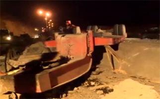 مرگ دو سرنشین تریلی پس از واژگونی در نزدیکی فیروزکوه