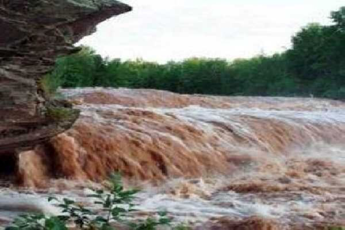 سیلاب کم سابقه در هرسین در اولین روزهای پاییز