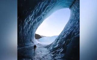 غار یخی شگفتانگیز در ایسلند + فیلم