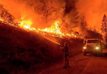 تهدید 17 هزار خانه در آتشسوزی کالیفرنیا