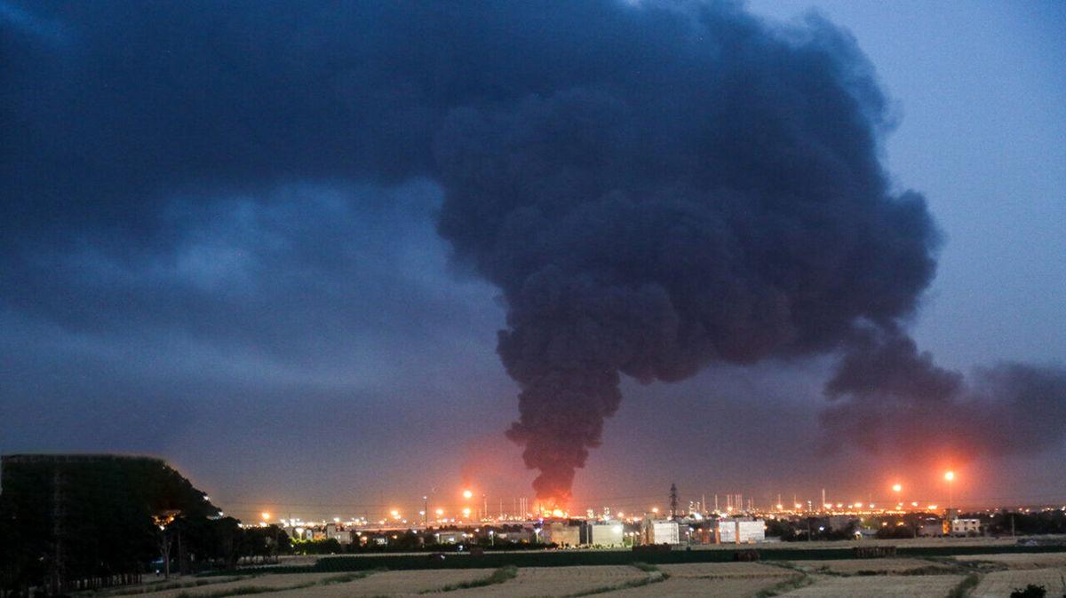 شعله ور شدن آتش در پالایشگاه تهران