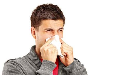 اگر سرماخورده اید، این ها را نخورید!