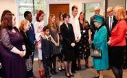 فرار پسربچه انگلیسی از ملکه الیزابت+فیلم