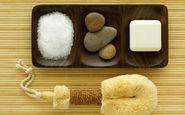 چرا اضافه کردن نمک به شامپو برای پوست و موی سرتان مفید است؟