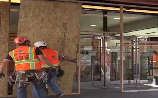 فیلم/ تشدید اقدامات حفاظتی برای فروشگاههای «سانفرانسیسکو» آمریکا از بیم سرقتهای احتمالی