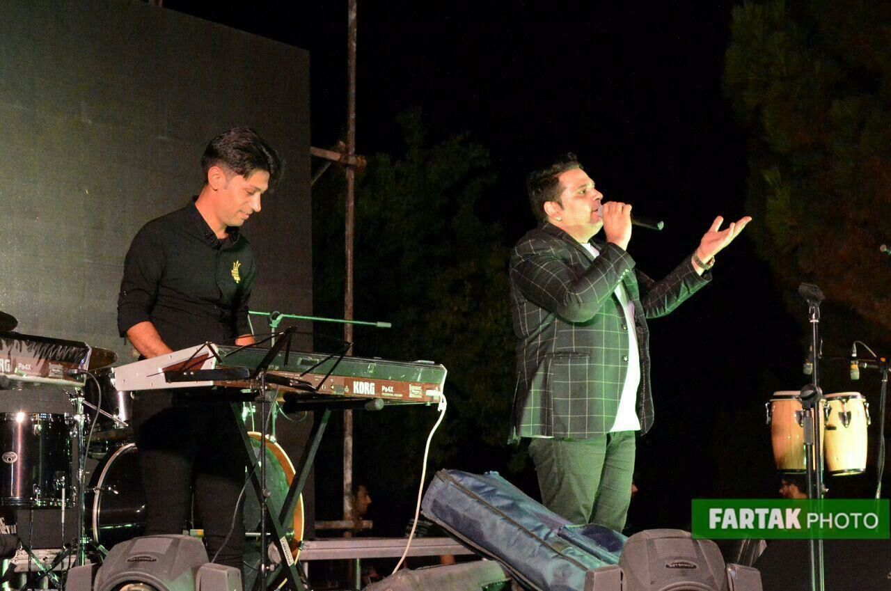 اجرای از مجید خراطها در جشنواره شبهای نیلوفری کرمانشاه