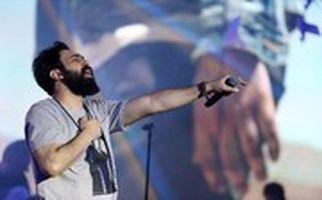 اجرای آهنگ بیدفاع در کنسرت مهدی یراحی پس از ممنوعالکاری!