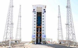 نیم نگاهی به پرتاب ماهوارههای ایرانی و آمریکایی+ فیلم