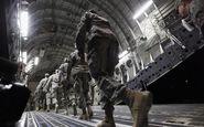 استقرار نیرو، جنگنده و سامانههای موشکی آمریکا در عربستان شروع شد