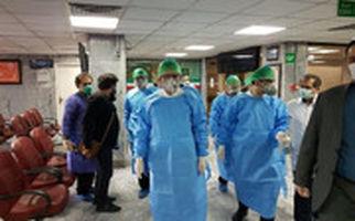 حضور اسحاق جهانگیری در بیمارستان امام حسین(ع) با لباس ویژه