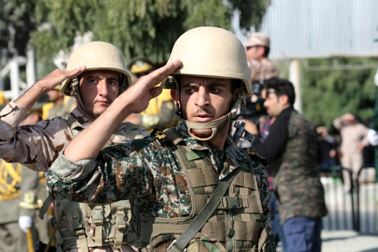 مراسم رژه نیروهای مسلح به مناسبت هفته دفاع مقدس به روایت تصویر